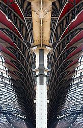 London_Train_Station.jpg