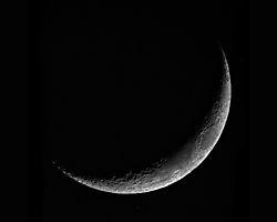 Lunar_Crescent_015.jpg