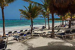 Mexico_-_Riviera_Maya_Beach.jpg