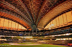 Miller_Park_--_Home_of_the_Milwaukee_Brewers.jpg
