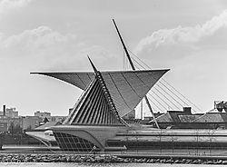 Milwaukee_Art_Museum.jpg