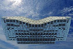 Mirrored_BigBlu_n_Sky_Brandt_Peter.jpg