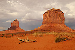 Monument_Valley.jpg