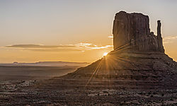 Monument_Valley_Sunrise_1_HDR_REV_NIK.jpg