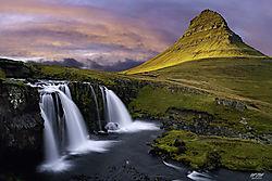Mount_Kirkjufell.jpg