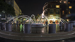 Night_time_fountain_Vendue_Hotel.jpg