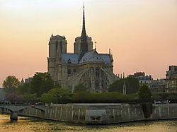 Notre_Dame_Paris_3.jpg
