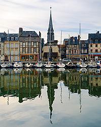 Port_de_Honfleur_DSC_1181.jpg