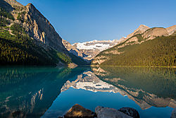 Reflections_Lake_Louise_2-5197.jpg