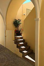SUNLIT_STEPS.jpg