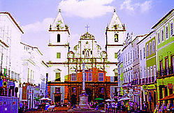 Sao_Francisco_Church_Square.jpg