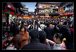 Shopping-Crowd-a.jpg