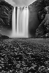 Skogafoss_Iceland.jpg