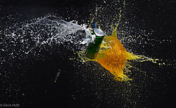 Softdrink_can_and_balloon_complete_fracture.jpg