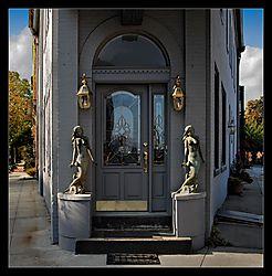 Statue-Door-b.jpg