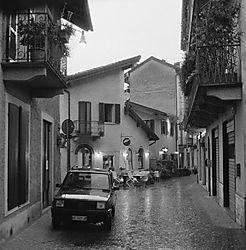 Street_in_Stresa.jpg