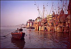 Sunrize_On_The_Ganges.jpg