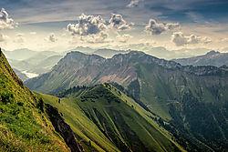 Swiss_Alps_in_Spring.jpg
