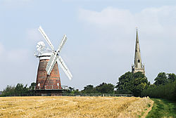 Thaxted_windmill_church-02.jpg