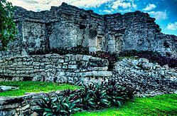 Tulum_Mayan_Ruin_2.jpg