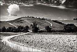 Tuscan_countryside.jpg