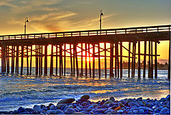 Ventrua_pier_at_sunset.jpg