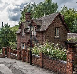 Victorian_House.jpg