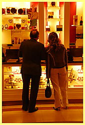 Vienna_Sacher_Choc_Shop.JPG