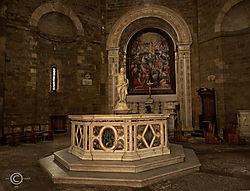 Volterra-2019-Battistero.jpg