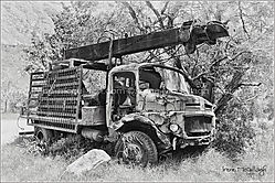 WBB-LG_1674-Wrecked-and-rusted-old-truck-NX-BW.jpg