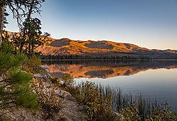 Warm_Lake_reflection.jpg