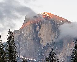 Yosemite-Sunset_2020-Feb-2.jpg