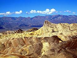 Zabriske_Point_-_Death_Valley.jpg