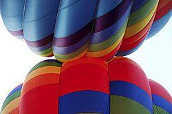 balloon_kiss.jpg