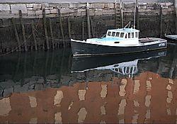 boatbrickwater150k.jpg