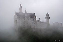 castle_oil-postat_123rf_01.JPG