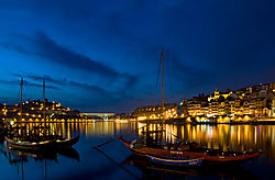 porto_by_night.jpg