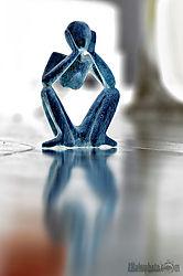 sitting-statue-inv2.jpg