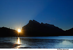 rundle-at-sunrise.jpg