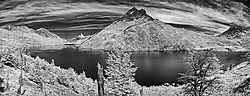 Lago_del_Desierto-cab-norte-45mm-2col-21-pics-infrared.jpg