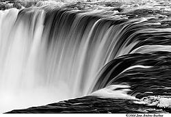 niagara-falls-ir_6219.jpg
