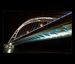 53699Apollo_Bridge_Igor_Sperka_Architectial_6.jpg