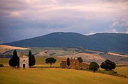 Tuscany_farm.jpg