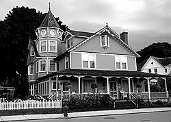 120105Mackinac_Island_home.jpg