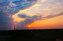 VNM3939_sunrise_smug_sm.jpg