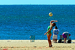 MAL0018_beach_volleyball1_sm.jpg