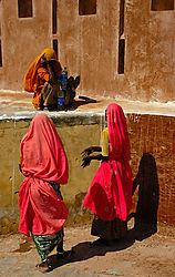 amer_fort_portrait_women.jpg