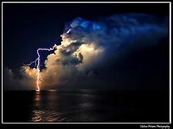 Bump57_-_A_single_cloud_with_a_little_bit_of_light.jpg