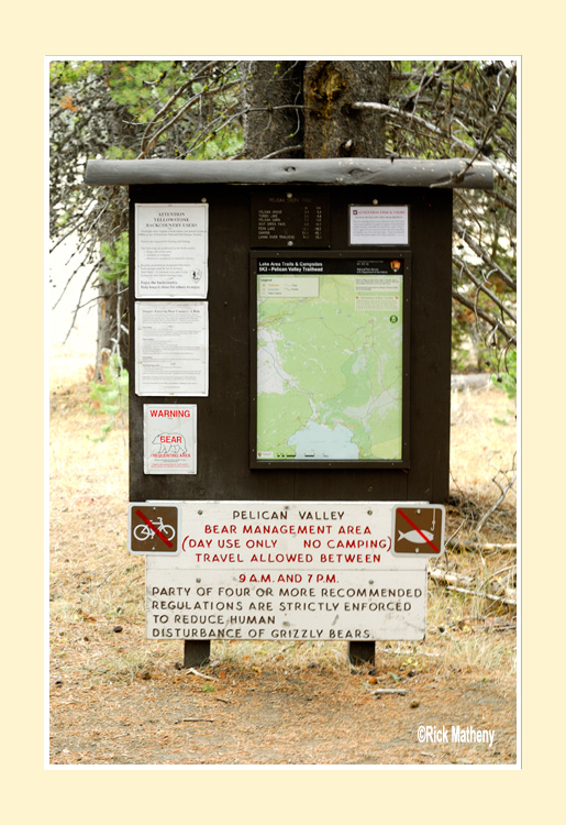 Pelican-Valley-Sign