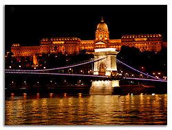 Royal-Palace-_-Chain-Bridge.jpg